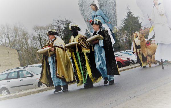 Mędrcy świata, monarchowie… (video)