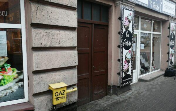 Drzwi przy Hallera 3 (video)